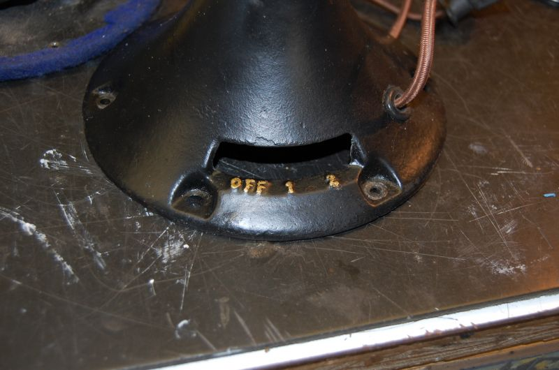 R&M 1404 base housing showing two speed switch lever #1.jpg
