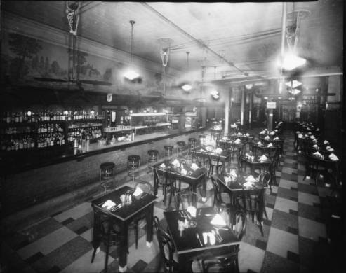 Interior_of_Kolbs_Restaurant_at_125_Saint_Charles_Avenue.jpg